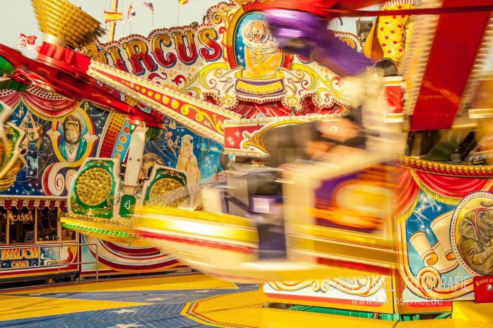 Karusell Karusell - Handyfotografie auf dem Wasen (4/6)